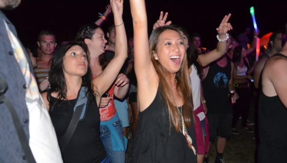 Hands Up If You Love Hip Hop